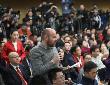 """欧洲媒体评中国两会:增长更""""结实"""" 向雾霾宣战"""