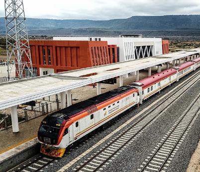 中企承建的肯尼亚内马铁路进行联调联试